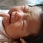 赤ちゃんが予防接種後に発熱!対処法は?冷えピタで冷やすのは危険?